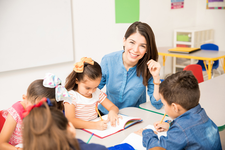 become an educational assistant